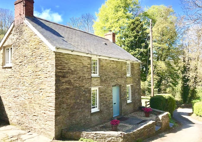 Troedyrhiw - Cosy detached cottage - lovely valley
