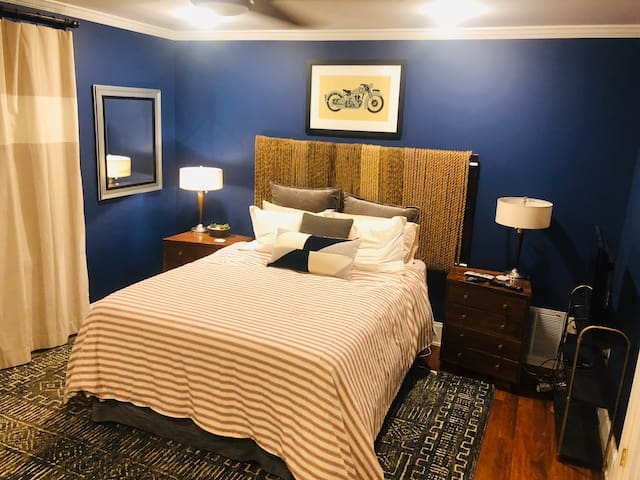 Amazing master suite in the heart of old 4th ward