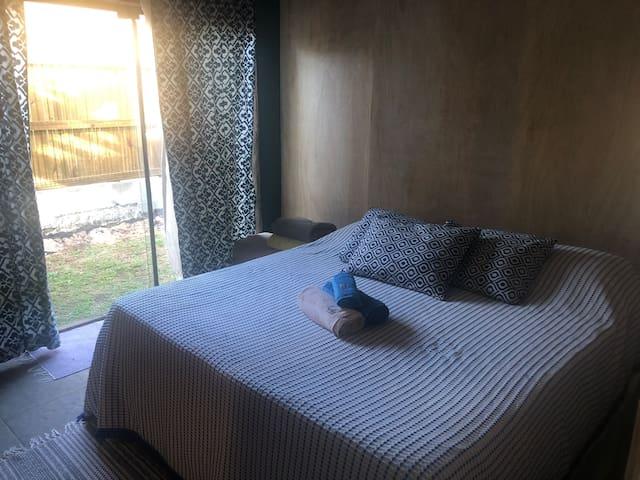 Suite com banheiro com duas duchas a gas