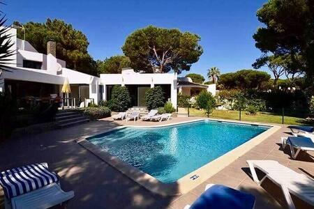 Villa de luxe confortable à proximité des Plages