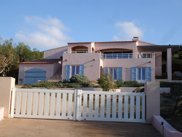 Villa familiale, Marine de Davia, L'île Rousse. - Corbara - วิลล่า