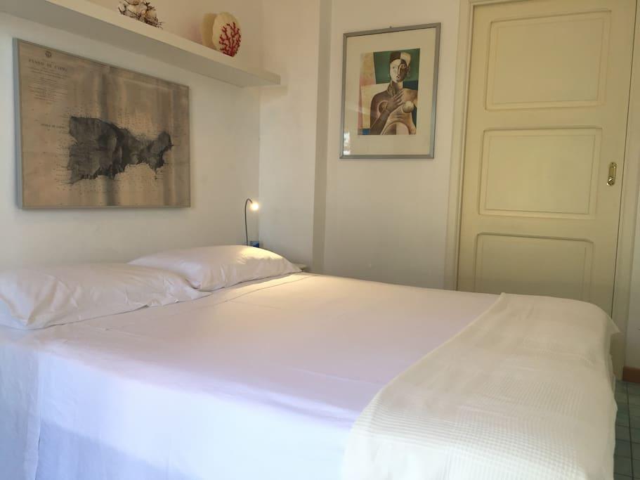 DOUBLE BED TIBERIO'S ROOM