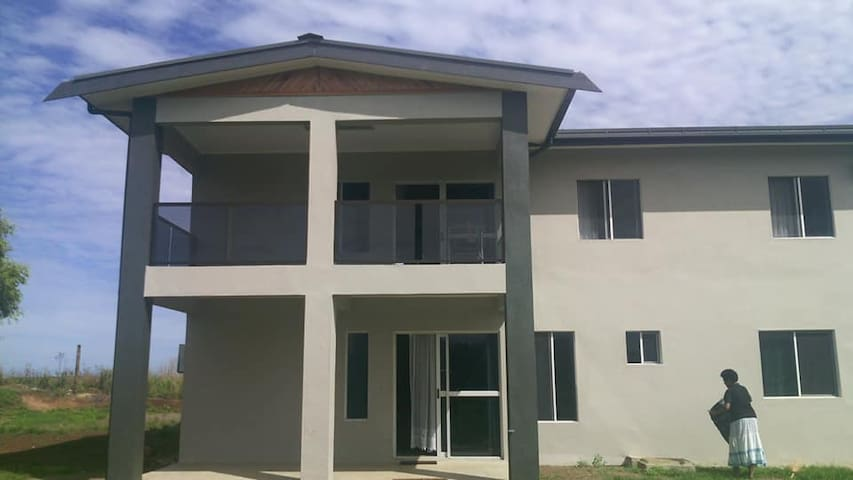 Large family home with genuine Fijian experiences!