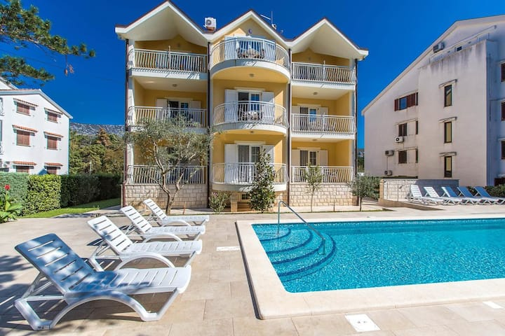 One bedroom apartment with terrace Jadranovo, Crikvenica (A-5521-a)