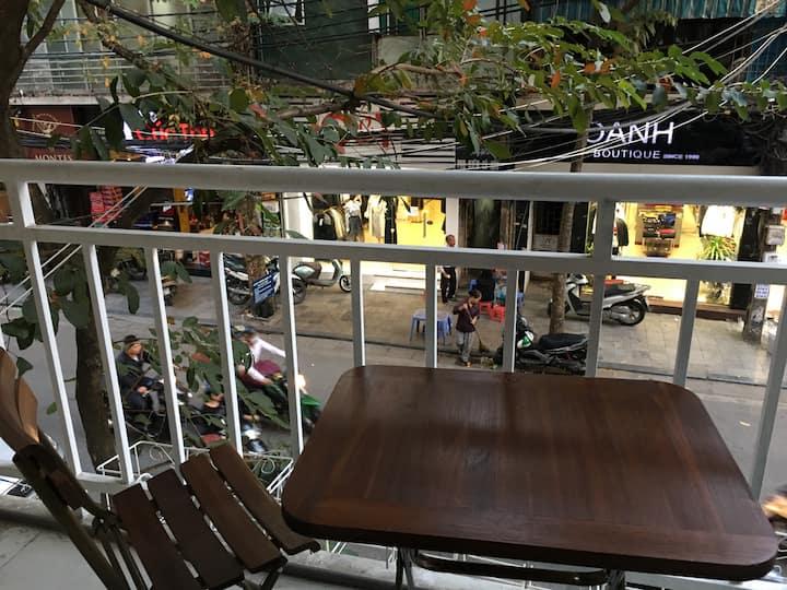 ERusta, Double or Twin, street-view Balcony on a Mezanine, 24/7 staff, tour discount, Train street & Night market nearby, Hanoi Old Quarter - managed by Hostesk