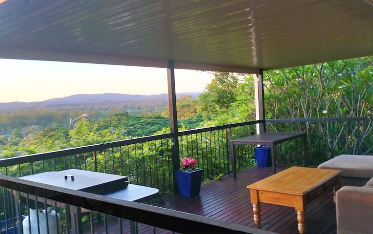 Serenity! AC 4 bedroom 2 bath with stunning views - Jamboree Heights - House