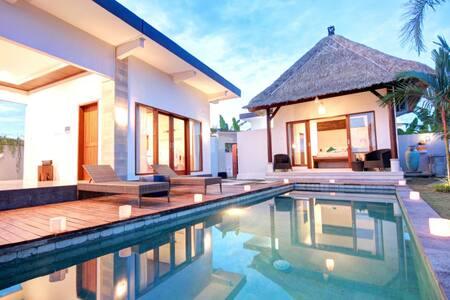 HOT DEAL-Prawiba Villa Near Keramas Surfing Beach