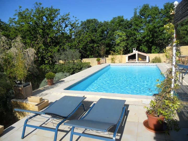 Villa with 4 bedrooms in Sainte-Anastasie, with private pool, enclosed garden and WiFi - 40 km from the beach