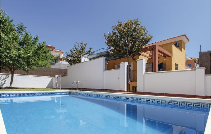 Terraced house with 4 bedrooms on 125m² in Torrox Costa