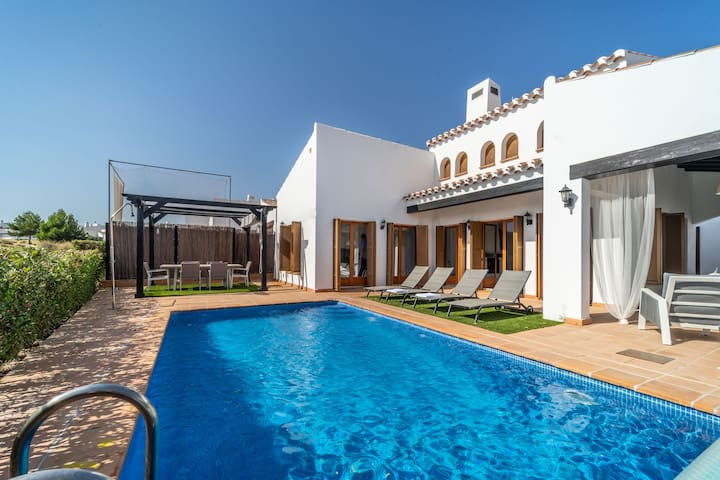3 Bed Villa with Private Pool- El Valle Golf Resort - MURCIA VACATIONS ZO19