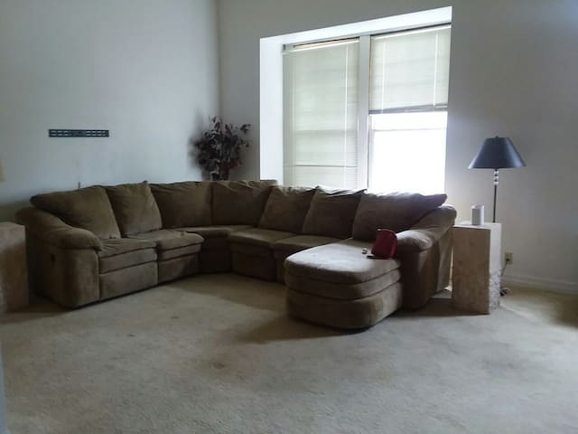 Downtown Loft on the river/casino 2br/2ba/2 liv rm