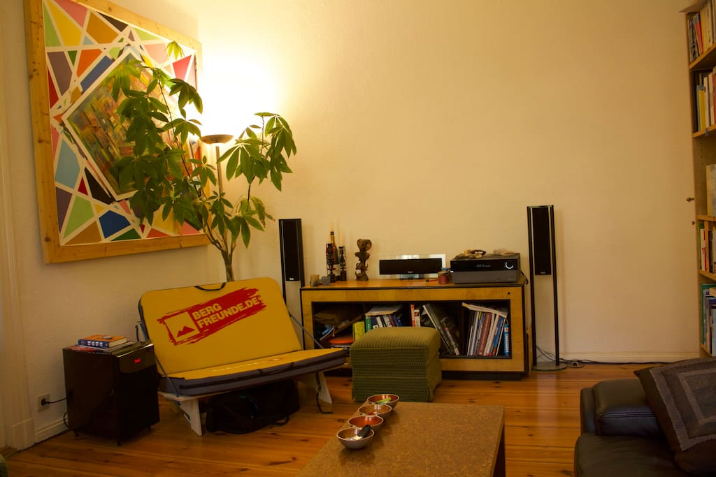 ruhige 2 zimmer wohnung apartments for rent in berlin. Black Bedroom Furniture Sets. Home Design Ideas
