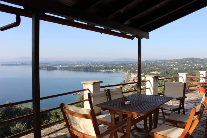 Ireni's @ Villa Petra - stunning views over Corfu
