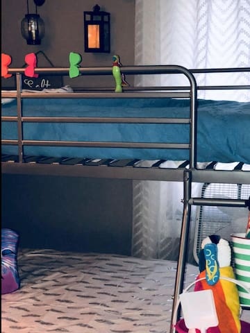 Single Bunk Bed with hot shower and microwave