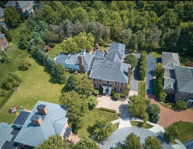 AMAZING 9000 SQ FT MANSION! ONLY THE BEST. ❤️