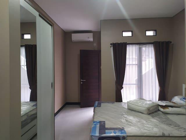 Wira House kost exclusive Jimbaran Bali