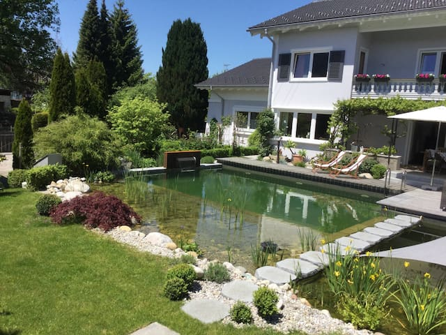 Bed & (Breakfast) & Pool im Landhaus am Chiemsee - Bernau am Chiemsee - Bed & Breakfast