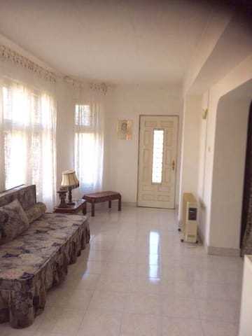 Room in a pleasant house with garden, near beaches - Techirghiol