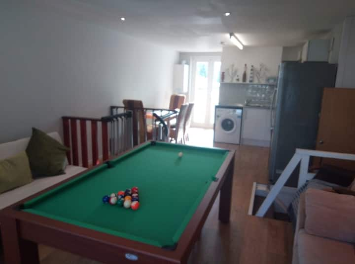 Cardiff City Centre apartment with garden.