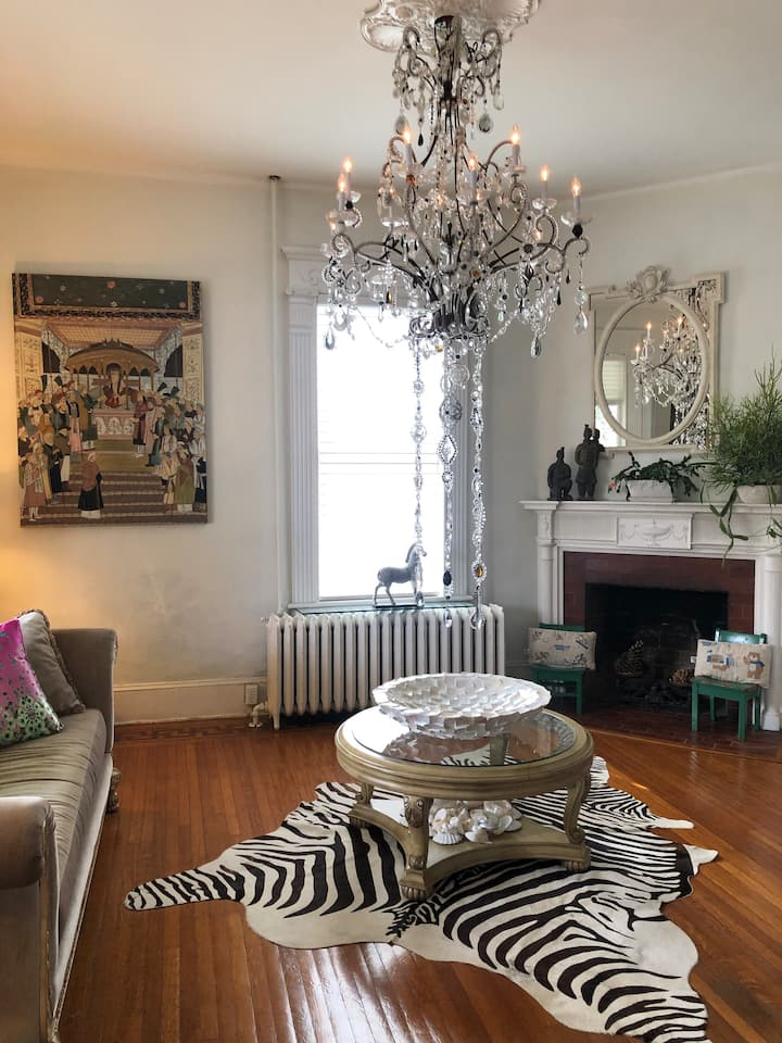 Best Modern Victorian house in Historic Petersburg