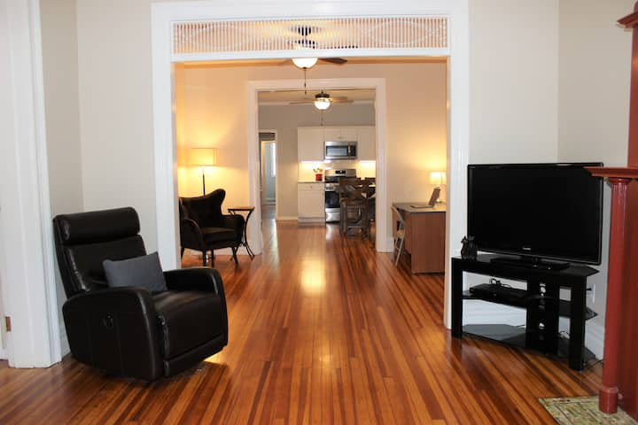 Renovated 2br/2ba, close to Alb Med & St. Petes.