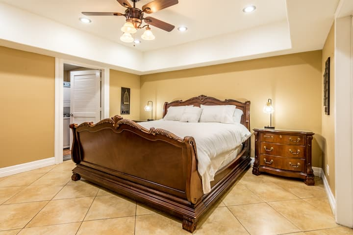 Zen Garden In Central  McAllen with King Size Bed