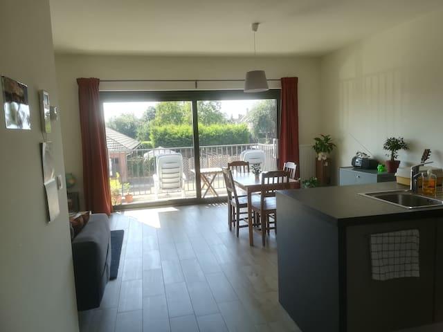 Rustig appartement met terras en tuin
