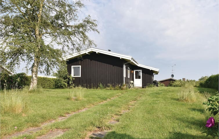 Holiday cottage with 2 bedrooms on 75m² in Bogense