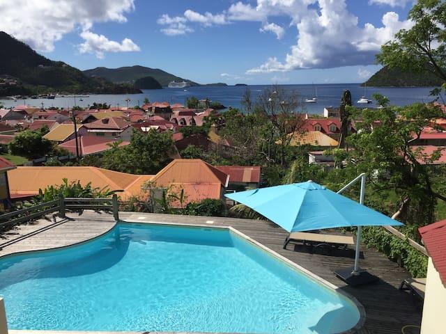 Charmant  studio avec vue mer et piscine