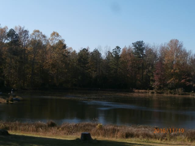 CAMPER'S PARADISE!....fish, golf, 5 minutes to CMP