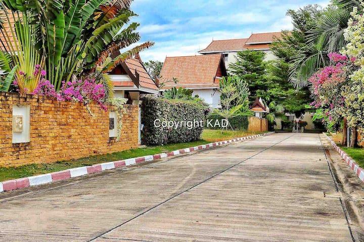 Thai Pool Villa 3 bedrooms  Private swimming pool