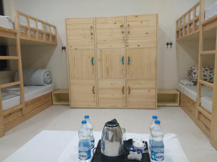 Hostel in Pushkar, Bunk Bed, Swimming Pool, Garden