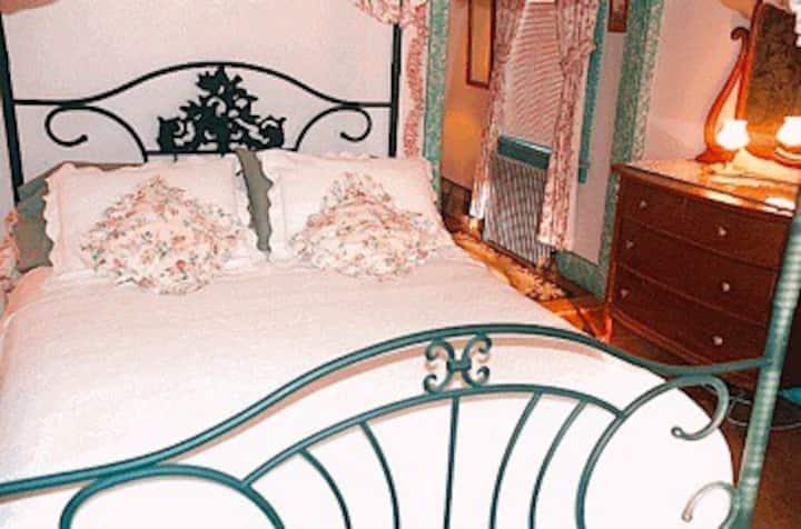Whistler's Inn/The Garden Room (#9)