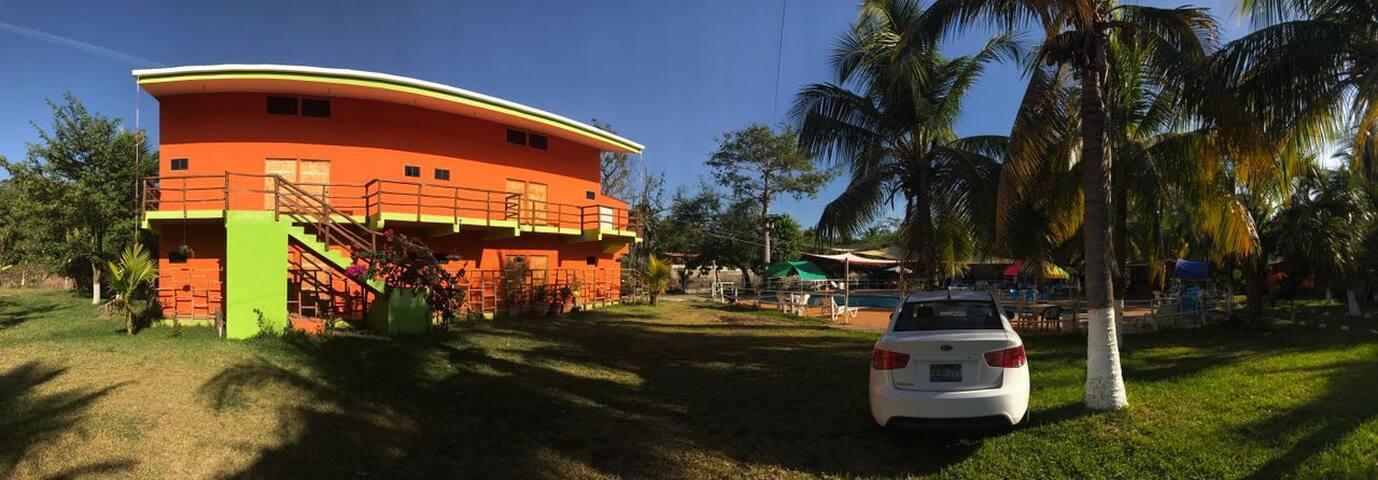 Hotel Lo nuestro un lugar para disfrutar - La Libertad - Butik otel