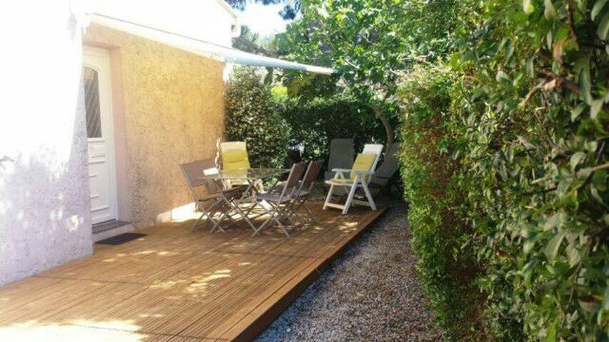 Pretty studio 30m ² independent + shaded terrace - Six-Fours-les-Plages - Casa