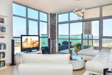Luxury apartment next to the beach - Rishon le zion - Lägenhet