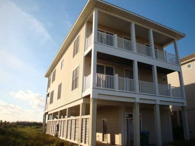 Winter makes you think of Islands! Book Now! - Saint George Island
