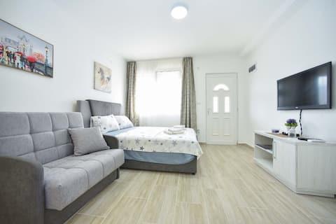 Beautiful cozy studio for 3 - MILO 10min beach