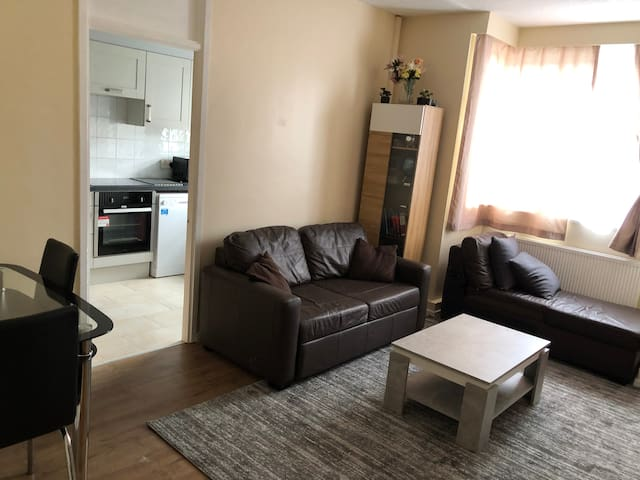 Entire flat. Very comfortable. 1 bedroom London