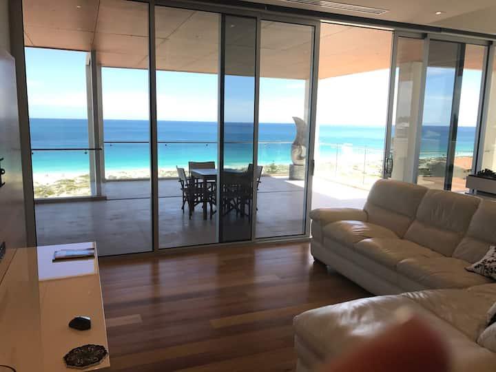 PenthouseParadise Grand Ocean Views