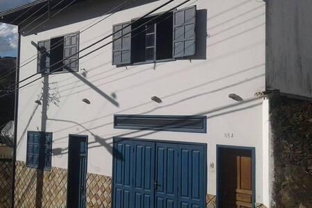 Casa da janela azul - Mariana - Casa
