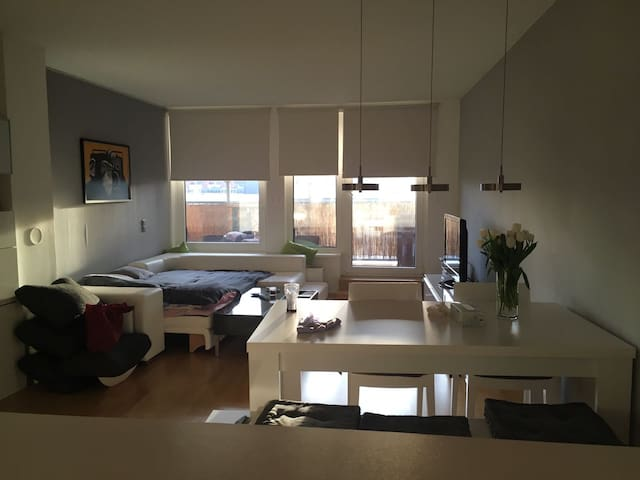 Exclusive Residence in a perfect location - Wenen - Condo
