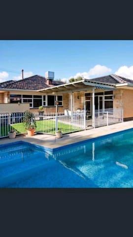 Pool house Glenelg - Glenelg East - House