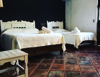Habitación triple Plus en MarMil - Malinalco - Szoba reggelivel