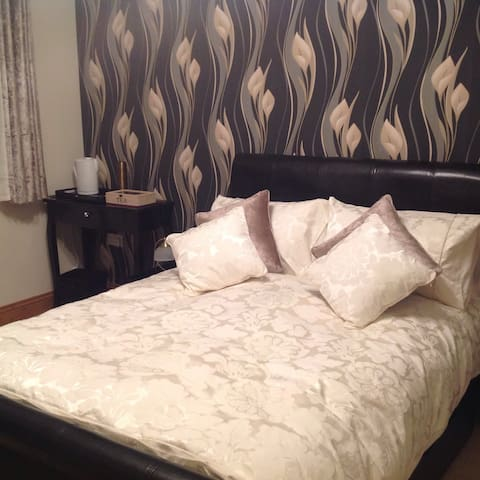 High quality ensuite B&B room-Gold - Sleights - Bed & Breakfast