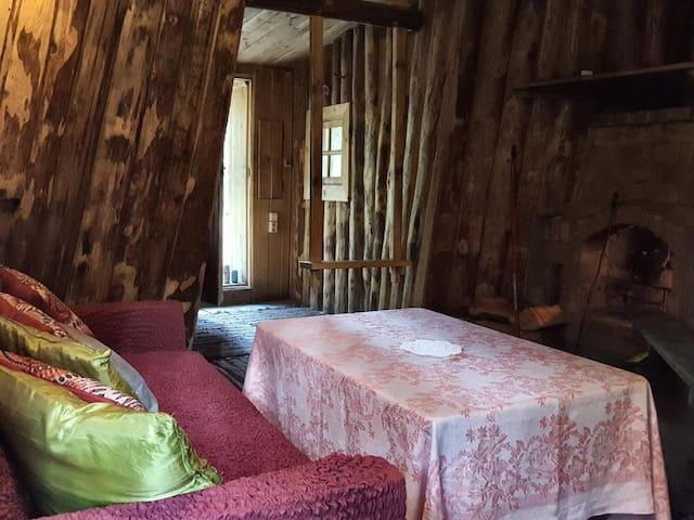 Mustjõe three-storey wooden tepee
