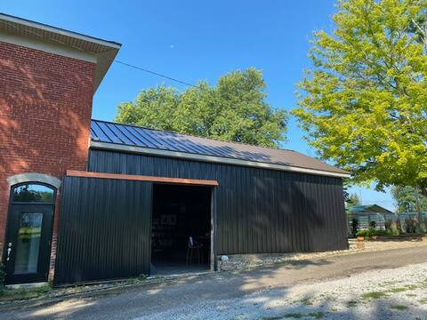 The Black Barn w/ Guest Quarters & Furry Friends