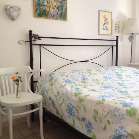 Lenzuola Matrimoniali Snoopy.Airbnb Grado Vacation Rentals Places To Stay Friuli