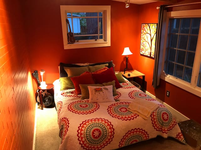 Charming Private Room in Wash Park West