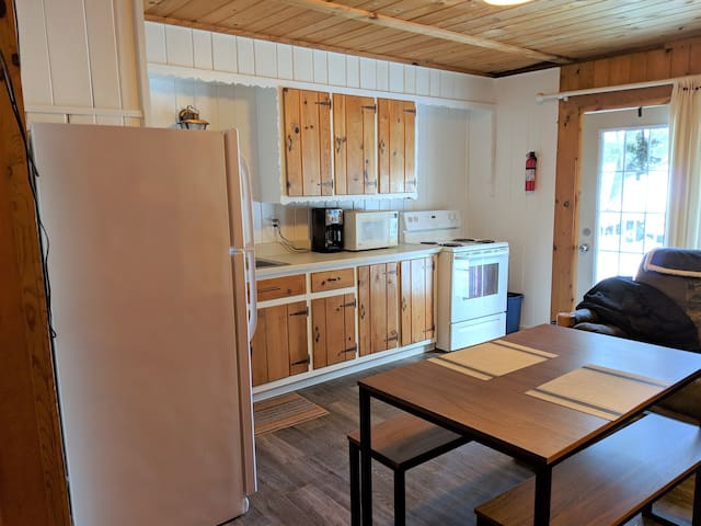POV Resort Cabins, Fox's Hole (Studio) - Unit 11